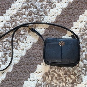 Excellent condition Tory Burch cross body